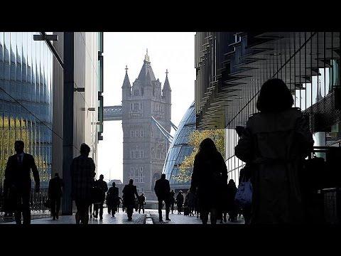 Η Βρετανία «πάγωσε» τους λογαριασμούς του Russia Today