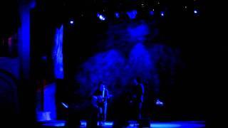 "Lanegan sings ""River Rise"""