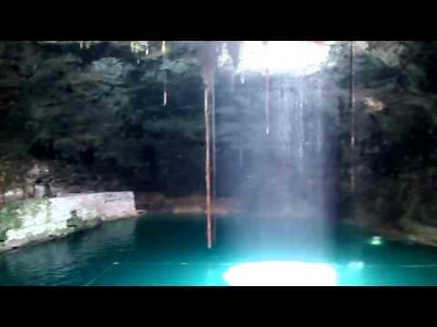 Cenote Hubikú, Temozón Yucatán, México 09/08/2015