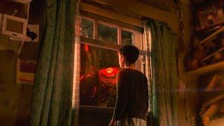 リーアム・ニーソンが演じた怪物の姿が怖い!『怪物はささやく』予告編