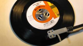 JESSICA JAMES - GIVE HER UP (BABY) ( DYNOVOICE DV 213 ) www.raresoulman.co.uk John Manship