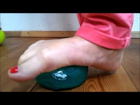 Die Nagelkrankheit auf den Händen des Grundes und die Behandlung