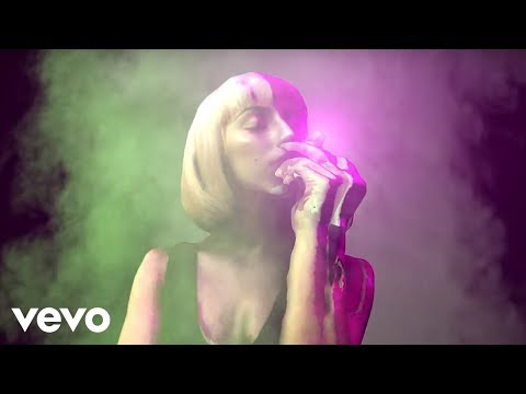 New Farruko, Nicki Minaj, Bad Bunny – Krippy Kush (Remix)[Lyric Video] ft. 21 Savage, Rvssian