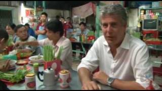 Tony Bourdain eating Pho No Reservations S05   Food Porn