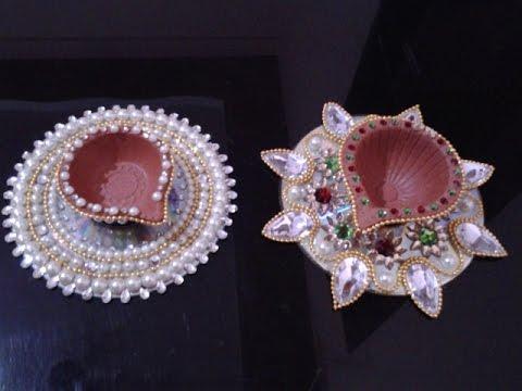 D I Y Diwali Decoration Ideas to make Diyas using CD