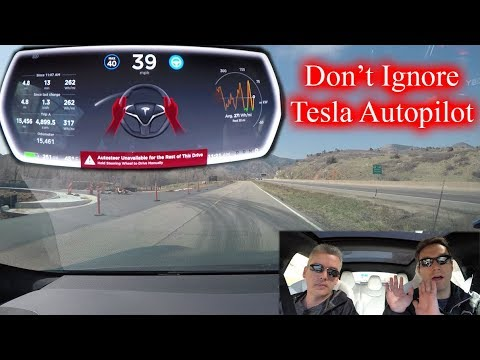 US Senator wants Tesla Autopilot disabled because drivers are sleeping behind the wheel