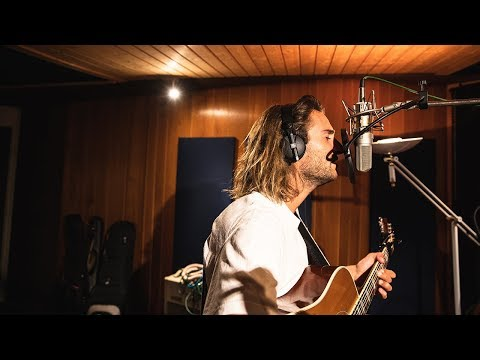 Pat Burgener - Ten More Days (Avicii cover live from Lausanne)