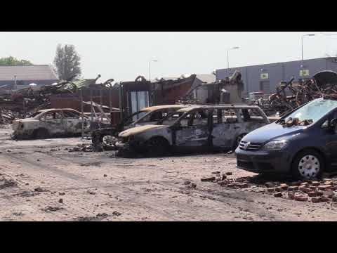 Grote schade door brand bedrijven bij daglicht goed te zien (video)