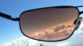 Polarized vs Non Polarized Sunglasses for Pilots