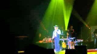 Engelbert Humperdinck - We Dance the Night Away