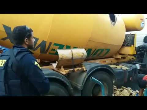 PRF apreende mais de 3 toneladas de maconha na Régis Bittencourt