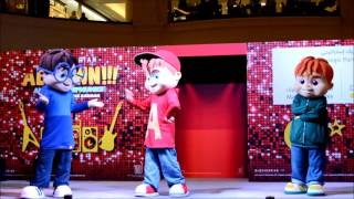 Alvin and The Chipmunks - live performance at Mall of Emirates (Pt 2)