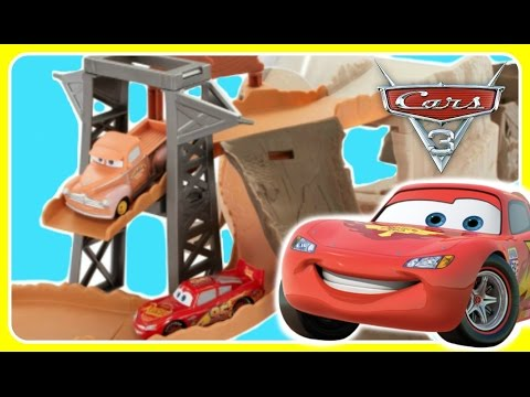 Disney Pixar Cars 3 Midnight Jump Trackset!  NEW 2017 Cars 3 Movie Toys!  Lightning McQeen & Smokey!