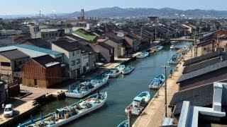 探訪軒下ゆらゆら水面の反射富山県射水市の内川