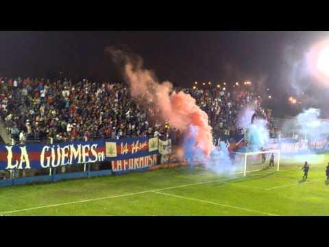 """""""club atlético Güemes vs unión Santiago - torneo federal B - Santiago del Estero 2015"""" Barra: Los Pibes • Club: Güemes"""
