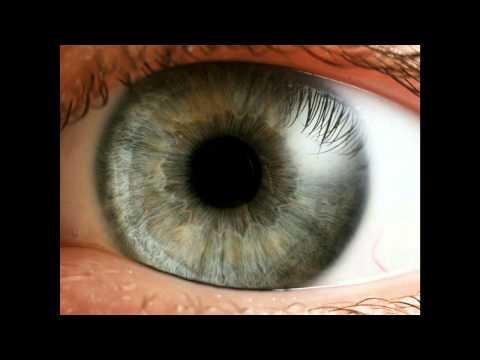 Острота зрения с коррекцией ниже 0.5 на одном глазу и 0.2 на другом глазу