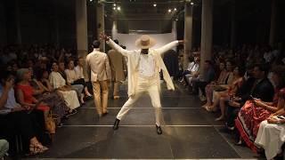 Un défilé de mode qui ressemble à la vie