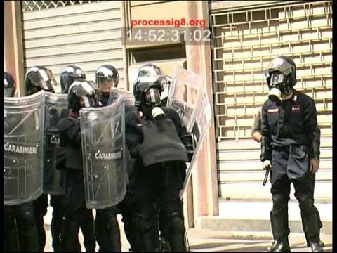 G8: 20 luglio 2001, la carica dei carabinieri in via Tolemaide