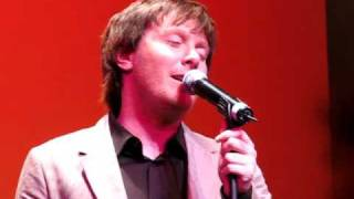 When I See You Smile by Clay Aiken, video by Sam Bernero