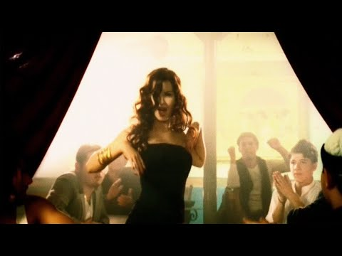 Nancy Ajram - Akhasmak Ah (Official Music Video) / نانسي عجرم - أخصمك آه