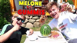 Melone explodiert 💥 MELONE vs. GUMMIBÄNDER CHALLENGE 😁 TipTapTube Family 👨👩👦👦