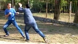 уличная драка боксера против борца