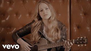 Video Tereza Balonová - Sama v peřinách (Lyric Video)