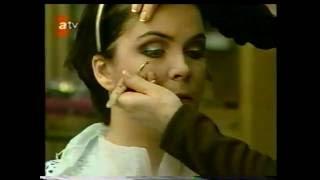 Oya Tolga Nurseli idiz'e makyaj yapıyor...ATV