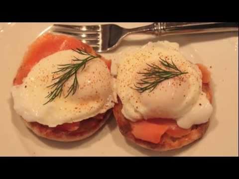 How to Poach Eggs – Poaching Eggs Demo