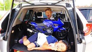 키즈 모터바이크 예준이와 아빠의 숨바꼭질 놀이 오토바이 전동 자동차 장난감 조립놀이 Kids Power Wheels Bike Hide and Seek