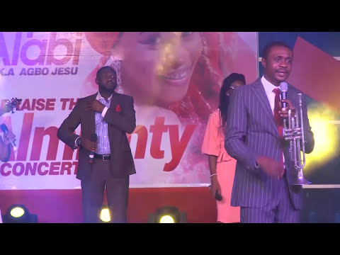 NATHANIEL BASSEY @ Praise the almighty concert 2017 Tope Alabi
