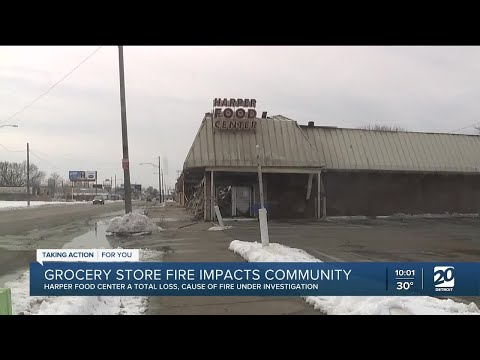 Grocery store fire in Detroit