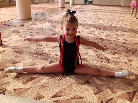 Тренировка по художественной гимнастике в 3 года The training in rhythmic gymnastics in  years