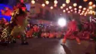 preview picture of video 'เสือไหหลำ VS มีดคู่ แห่กลางคืน@ตรุษจีนครสวรรค์ 57'
