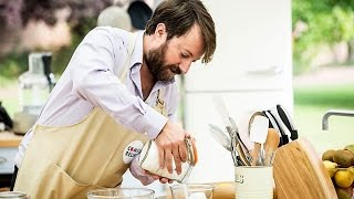The Great Comic Relief Bake Off - S02E03 - David Mitchell, Sarah Brown, Michael Sheen, Jameela Jamil - Video Youtube