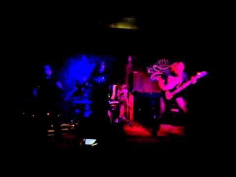 Goatbastards - Pocta rozčilenému důchodci na metalovém koncertě