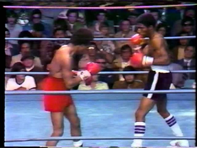 Bruce Curry vs. Monroe Brooks