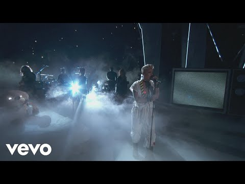 "P!nk – ""What About Us"", ""Raise Your Glass"", & More! (2017 MTV VMAs)"