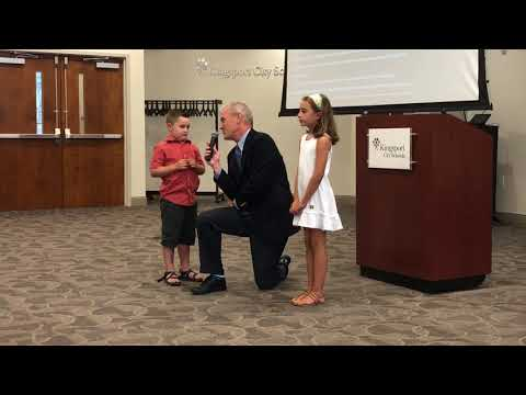 Video: Pledge of Allegiance Kingpsort school board Aug. 14, 2018