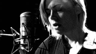Anna Ternheim - My heart still beats for you
