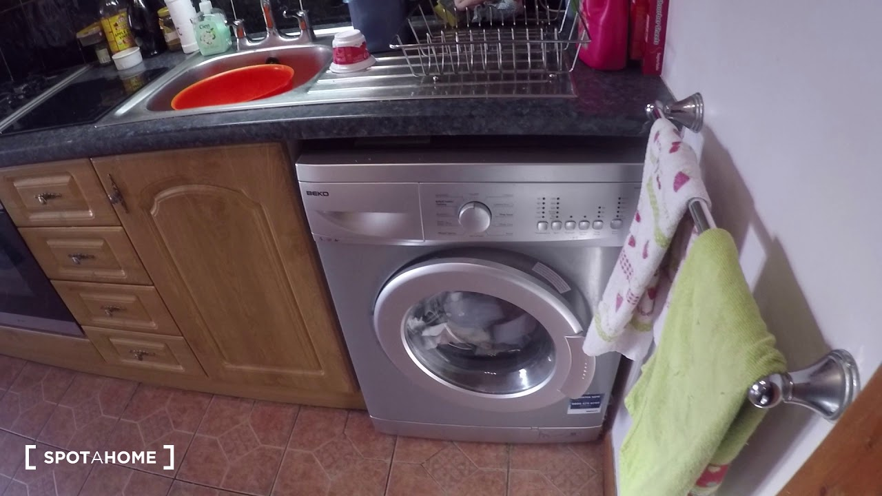 Single Bed in Furnished room for rent in a 3-bedroom house in Glasnevin