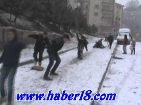 Çankırı'da kar yağışına en çok çocuklar sevindi