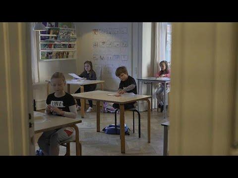 COVID-19: Άνοιξαν τα σχολεία στη Δανία