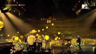 Coldplay - Yellow (Live Tokyo 2009) (High Quality video) (HQ)