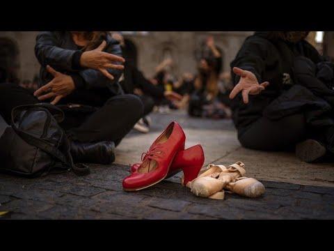 Bαρκελώνη: Στους δρόμους οι χορευτές