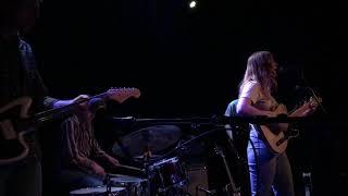 Julia Jacklin – Head Alone, Live At The Reverb Lounge, Omaha, NE (5102019)
