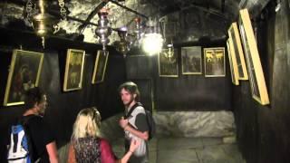 BETLÉM (Palestina)-Tak živo bylo s hodinovým čekáním v chrámu u místa narození Ježíše Krista