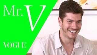 """Recém-solteiro, Caio Paduan Fala Sobre Assédio: """"Aumentou Bastante"""" / Mister V / TV Vogue"""
