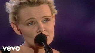 Eva Dahlgren - Jorden Är Ett Litet Rum (Video - Live)
