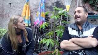 preview picture of video 'BIN VALENCIA, PARA APyCRA, ENTREVISTA CON EL  BATERISTA DE ALMAFUERTE'
